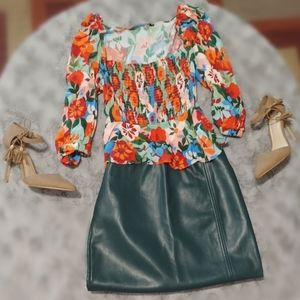 Beautiful flowy floral top